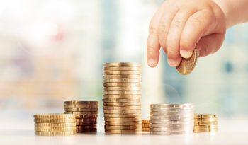 Einnahmen wie Einkommensersatzleitungen werden auf das Elterngeld angerechnet.